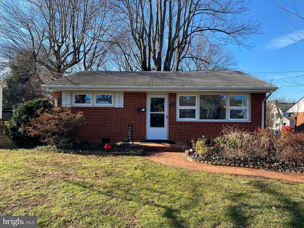 186 Elm St Warrenton, VA 20186