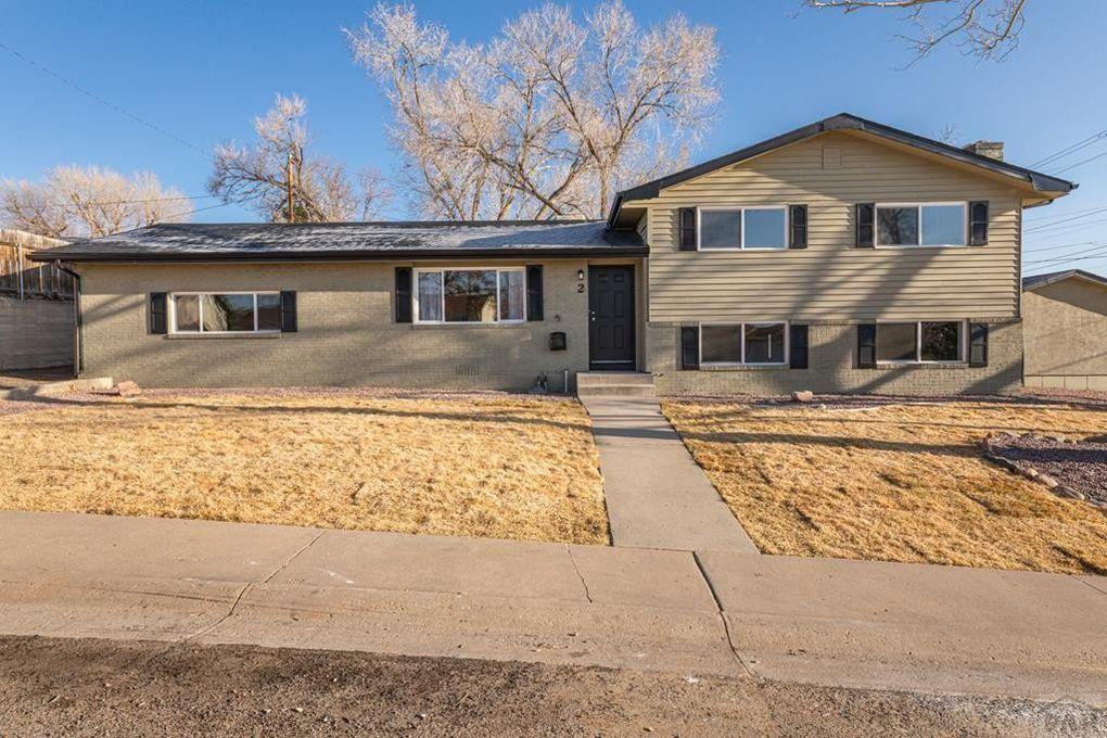2 Meadowbrook Dr Pueblo, CO 81001