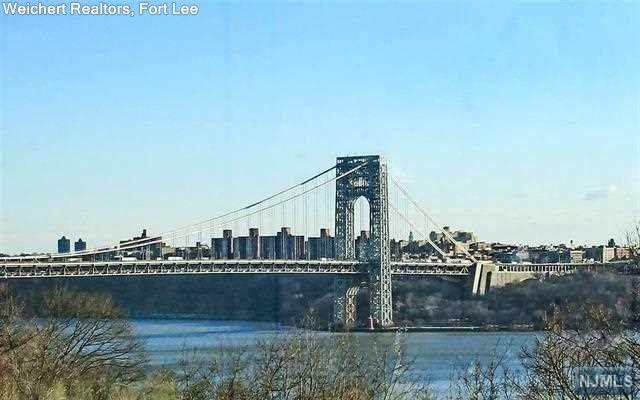 4 Horizon Rd Apt G7 Fort Lee, NJ 07024