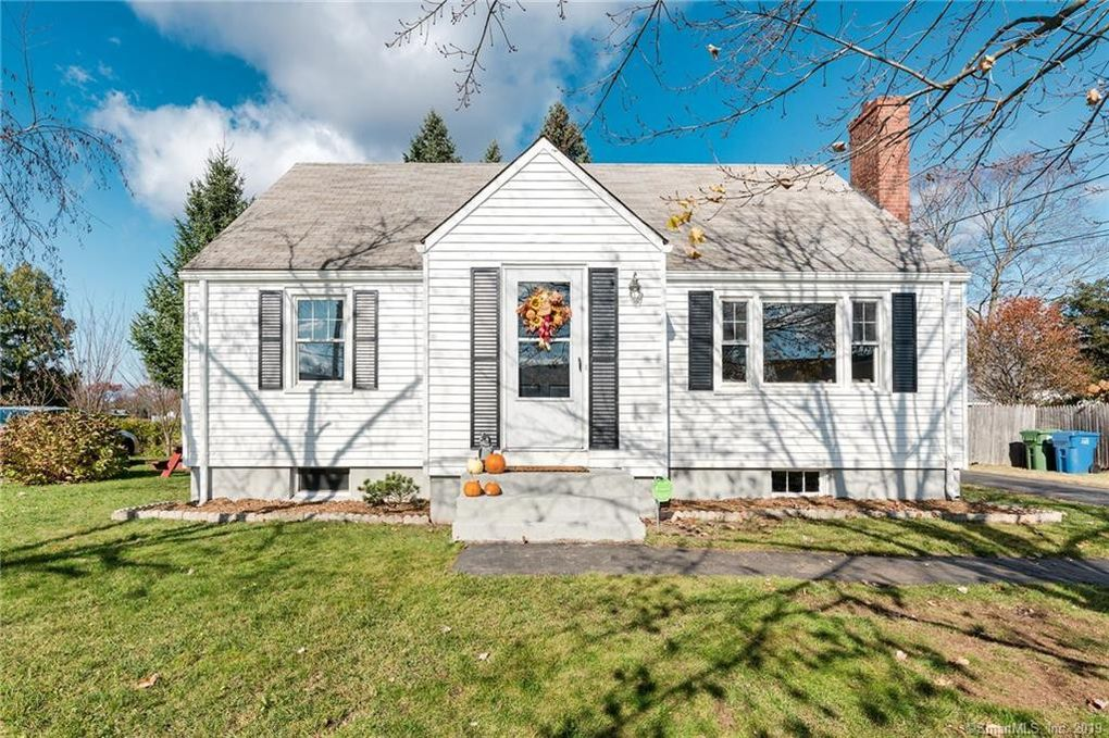 6 George St Cromwell, CT 06416