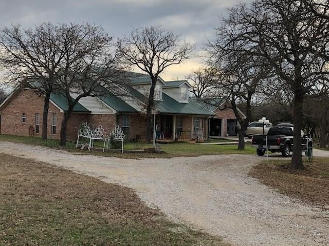 1100 Simpson Dr Mineral Wells, TX 76067