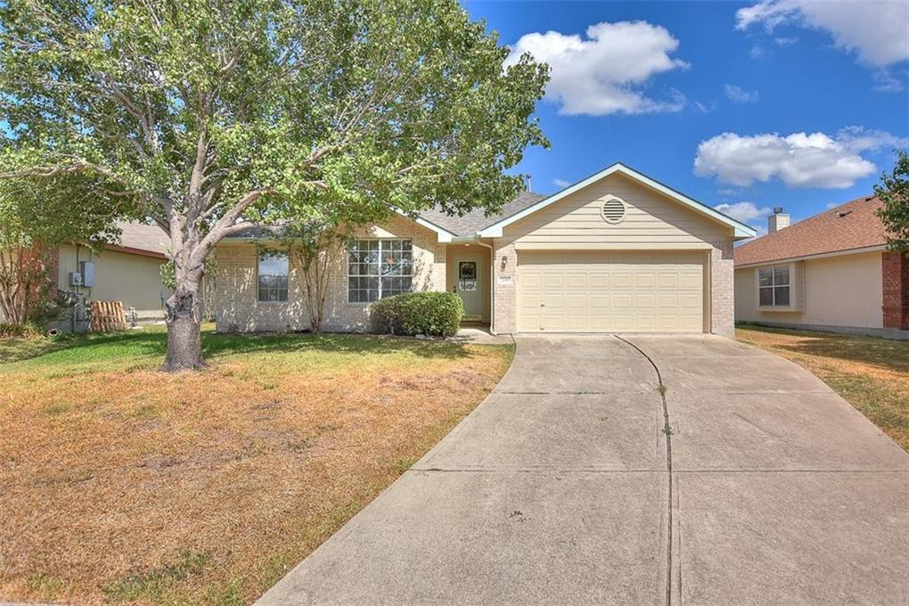 208 Warner Bnd Hutto, TX 78634