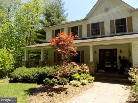 Photo of 3056 Whispering Dr, Prince Frederick, MD 20678