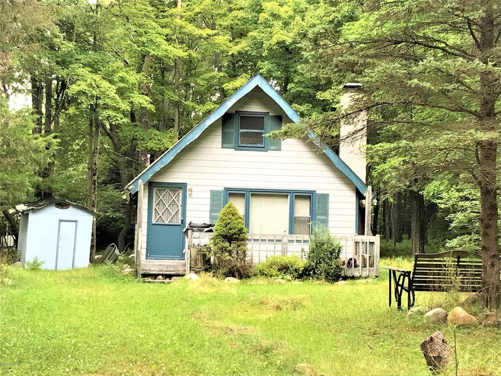 138 Bushkill Dr Pocono Lake, PA 18347