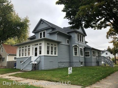Photo of 904 N Chestnut Ave, Green Bay, WI 54303