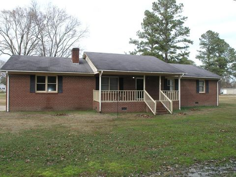 Photo of 403 W Woodland Ave, Woodland, NC 27897
