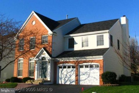 Photo of 13714 Rosetree Ct, Chantilly, VA 20151