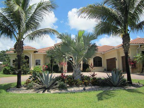 Photo of 460 N Country Club Dr, Atlantis, FL 33462