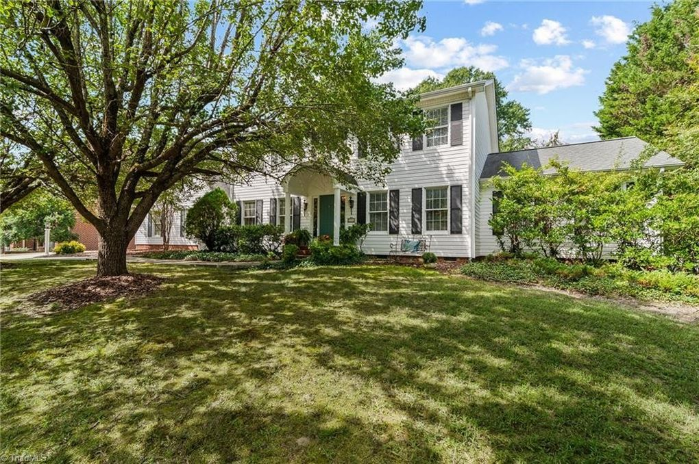 1316 Georgetown Ct High Point, NC 27262