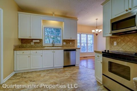 Photo of 110 Summerwalk Pl, Simpsonville, SC 29681