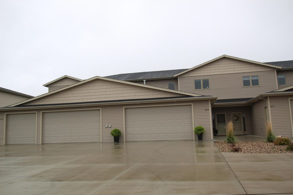 829 Compass Loop Bismarck, ND 58504