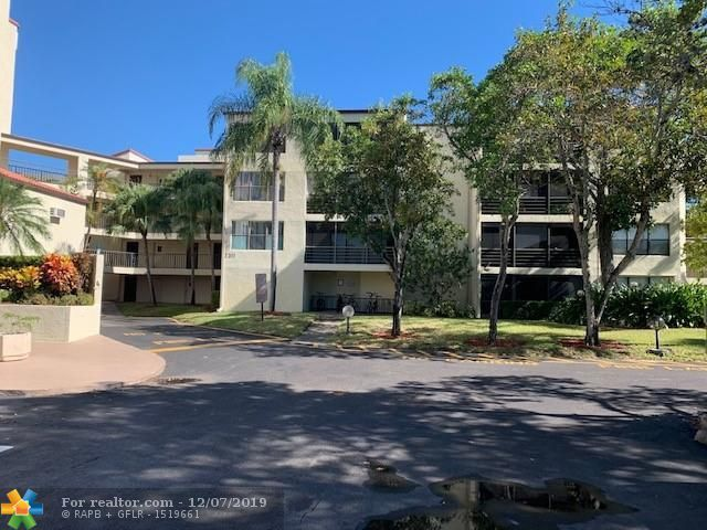 2311 S Cypress Bend Dr Unit 421C Pompano Beach, FL 33069