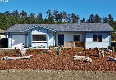 Photo of 1205 Nw Parker Ave, Waldport, OR 97394