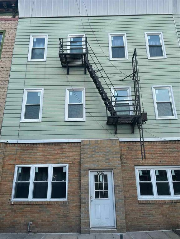 484 Central Ave Unit 2 F, Jersey City, NJ 07307