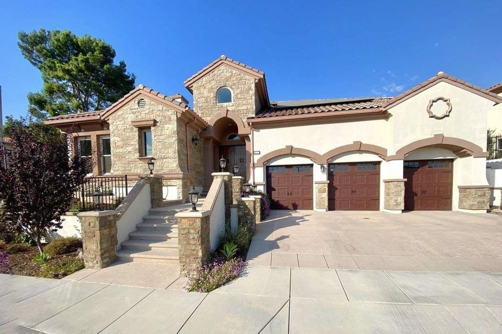 2025 Lonestar Way Thousand Oaks, CA 91362