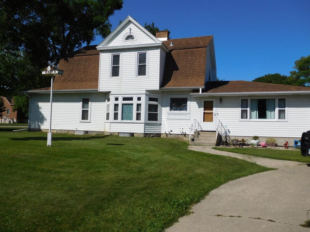 220 Division St E Elbow Lake, MN 56531