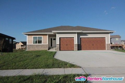 Photo of 2005 Nw Sunset Ln, Grimes, IA 50111