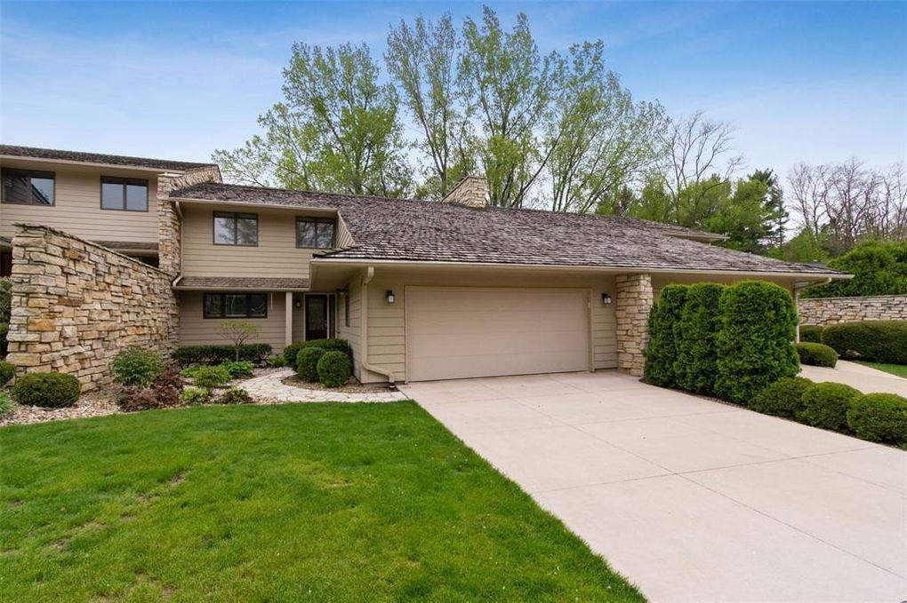 159 Ashcombe SE Cedar Rapids, IA 52403