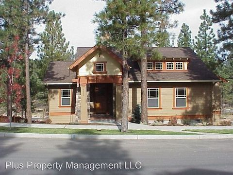 Photo of 2312 Nw Lemhi Pass Dr, Bend, OR 97703