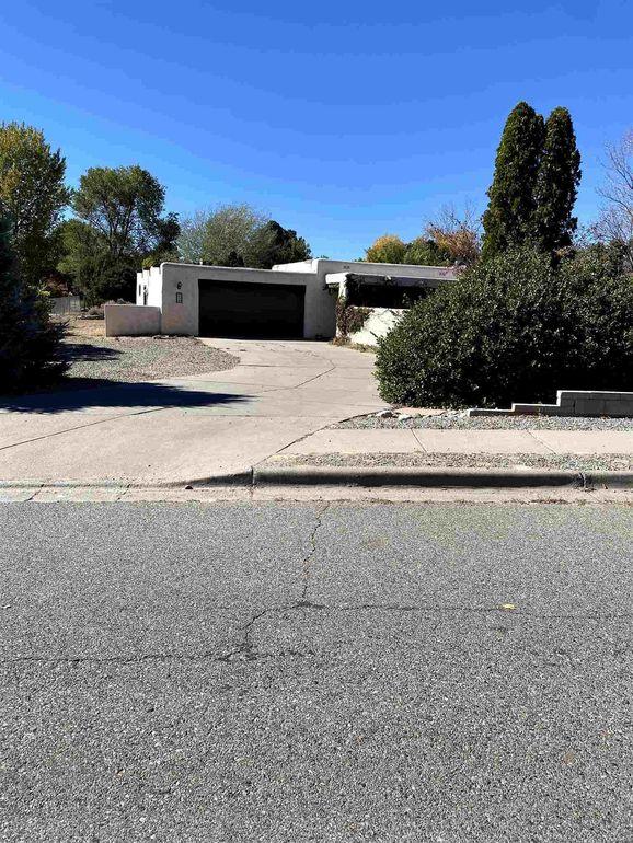 324 Kimberly Ln Los Alamos, NM 87547