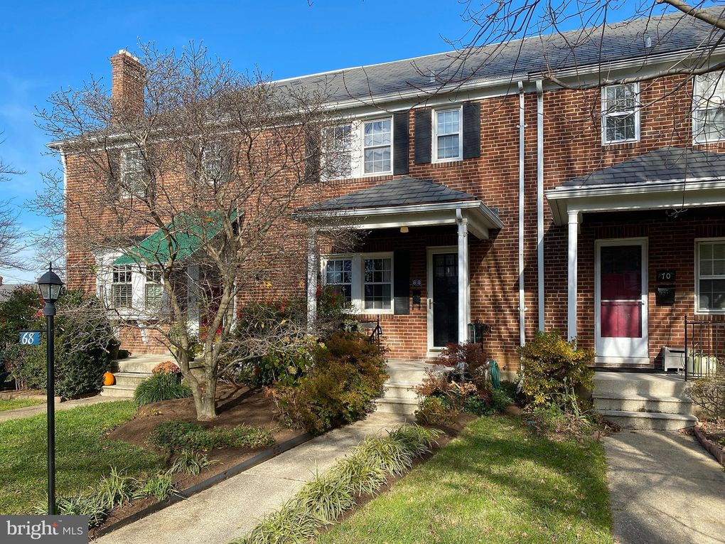 68 Dunkirk Rd Baltimore, MD 21212