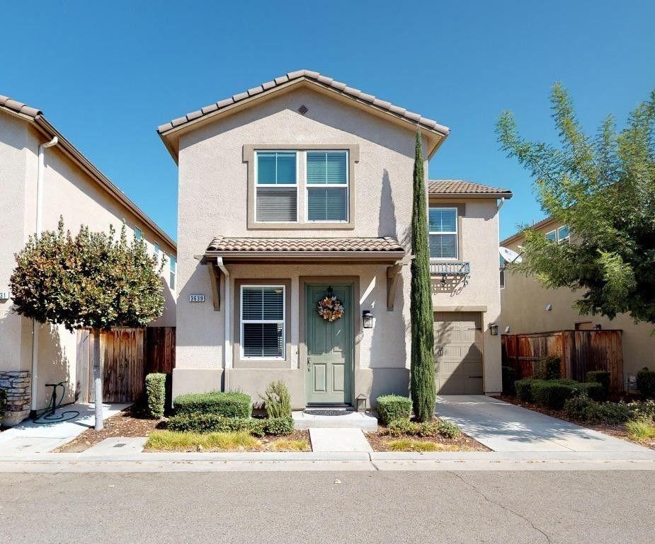 3639 Etchings Way Clovis, CA 93619
