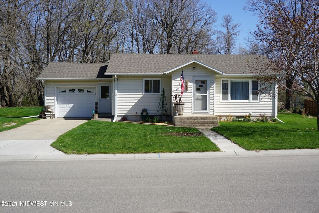 613 First Ave SE Pelican Rapids, MN 56572