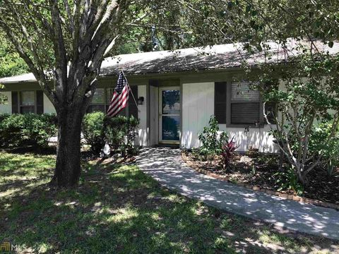 Photo of 390 Powder Horn Rd, Saint Marys, GA 31558