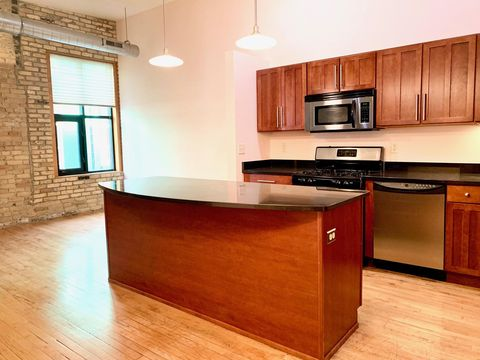 Photo of 1017 S 2nd St Unit 400, Milwaukee, WI 53204