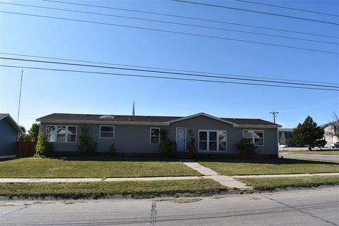 Photo of 1330 Buchfinck Ave, Alliance, NE 69301