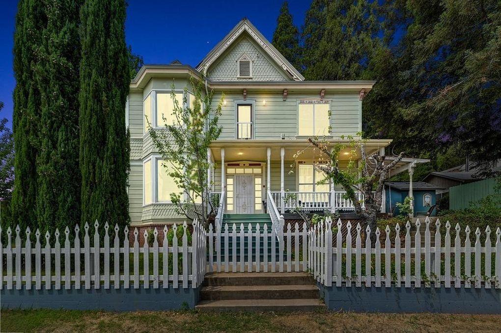 102 Pleasant St Colfax, CA 95713