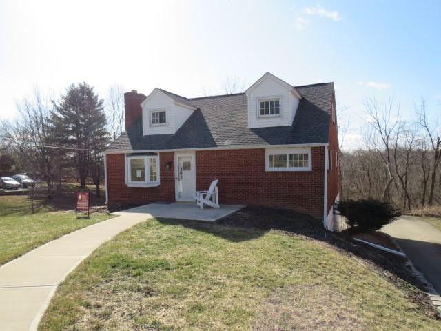 141 Main St Hickory, PA 15340