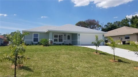 Photo of 36 Lake Side Trl, Lake Placid, FL 33852