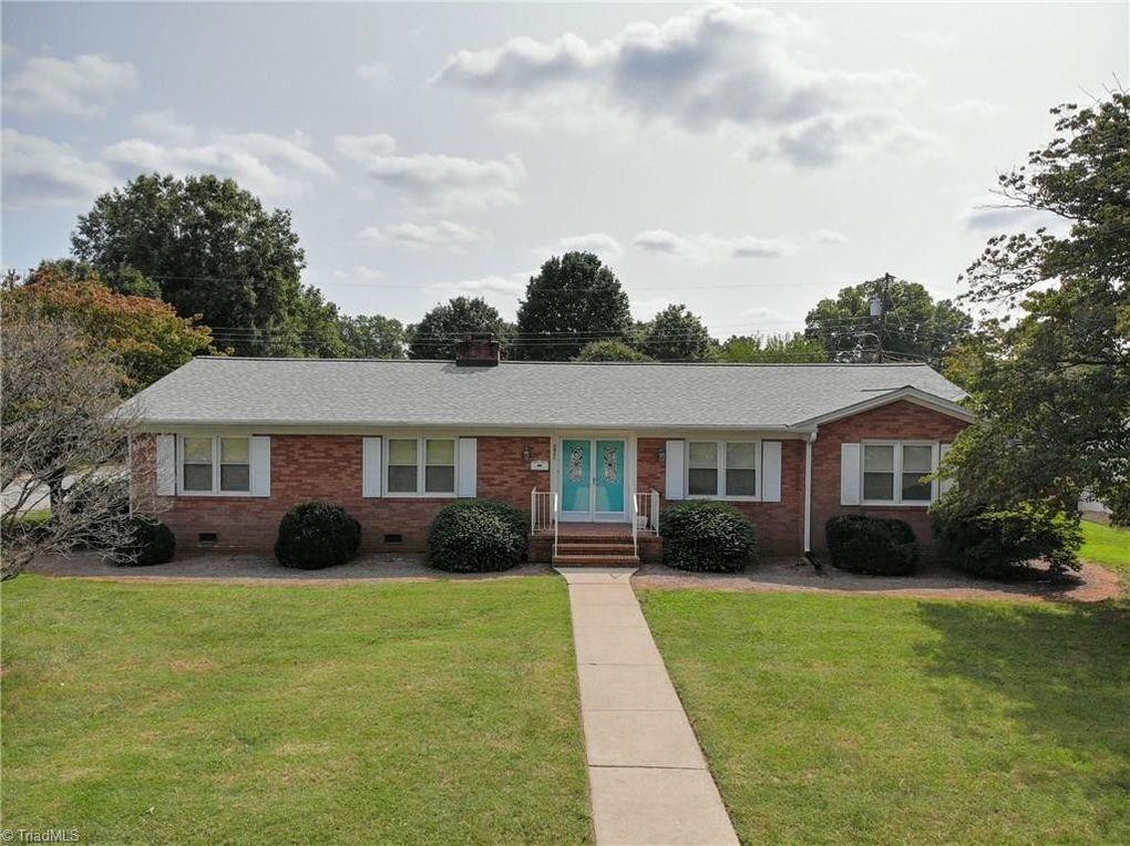 2901 Northampton Dr Greensboro, NC 27408
