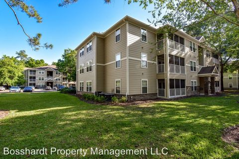Photo of 7171 Sw 4th Rd Unit 111, Gainesville, FL 32607