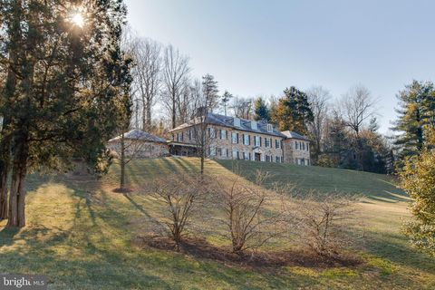 Photo of 6610 Darnall Rd, Towson, MD 21204