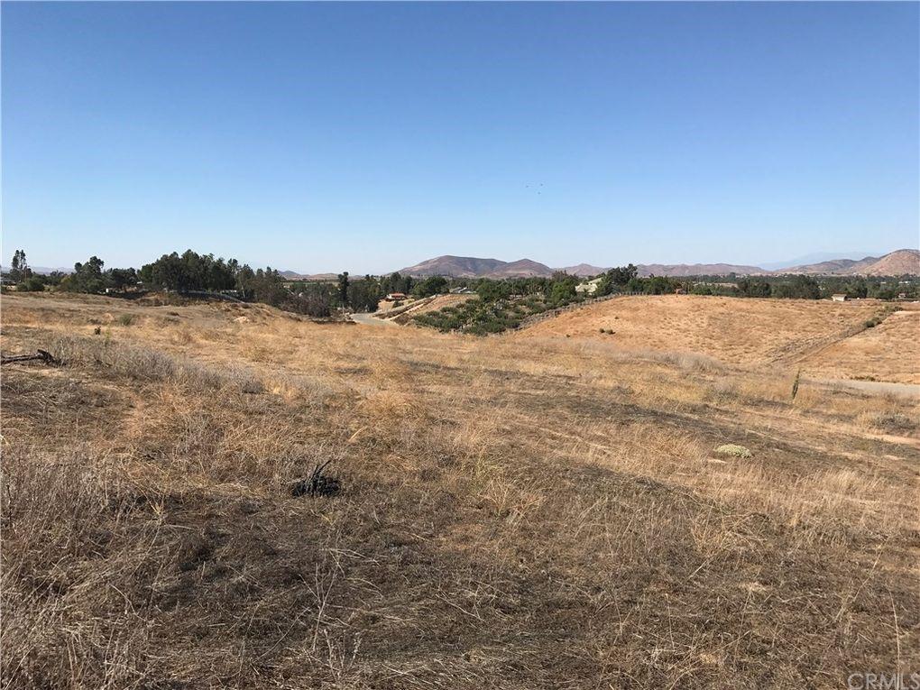 613 Meadowridge Temecula, CA 92592