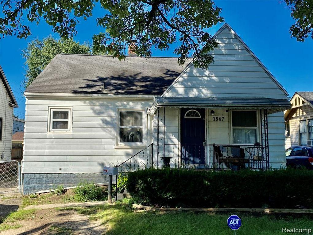1547 Richmond Ave Pontiac, MI 48340