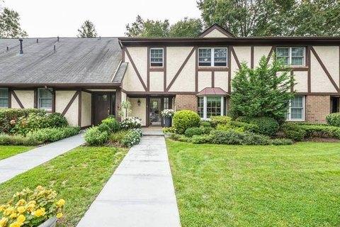 Southampton Ny Real Estate Southampton Homes For Sale Realtor Com