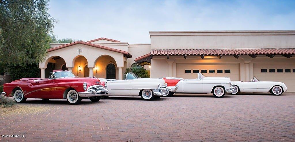 House view featured at 11350 E Arabian Park Dr, Scottsdale, AZ 85259