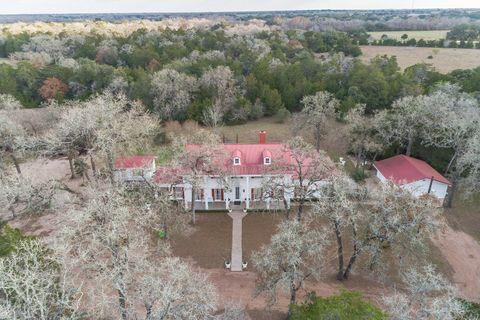 Photo of 1055 Highway 77 A S, Hallettsville, TX 77964