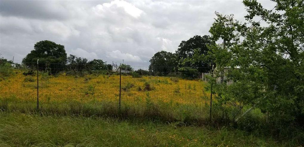 1295-A Steen Rd Kingsland, TX 78639