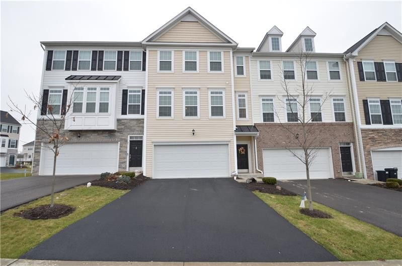 19 Roosevelt Dr Kennedy Township, PA 15136