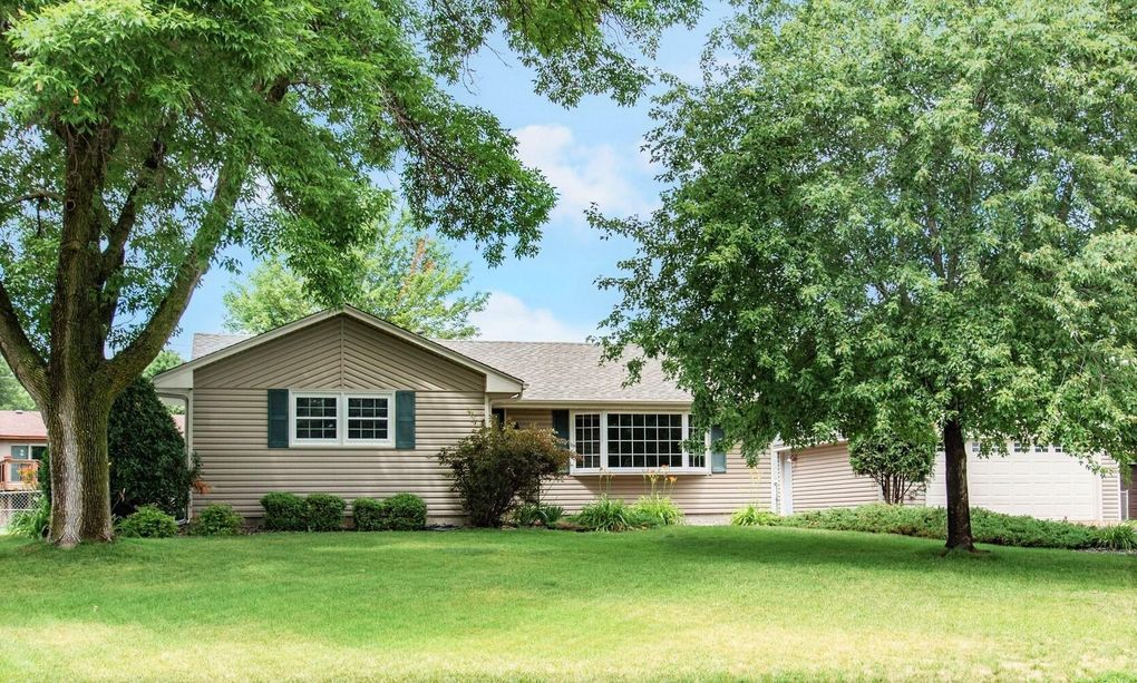 11201 Welcome Ave N Champlin, MN 55316