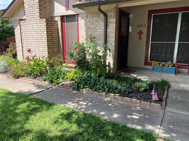 3003 Penny Ln Euless, TX 76039