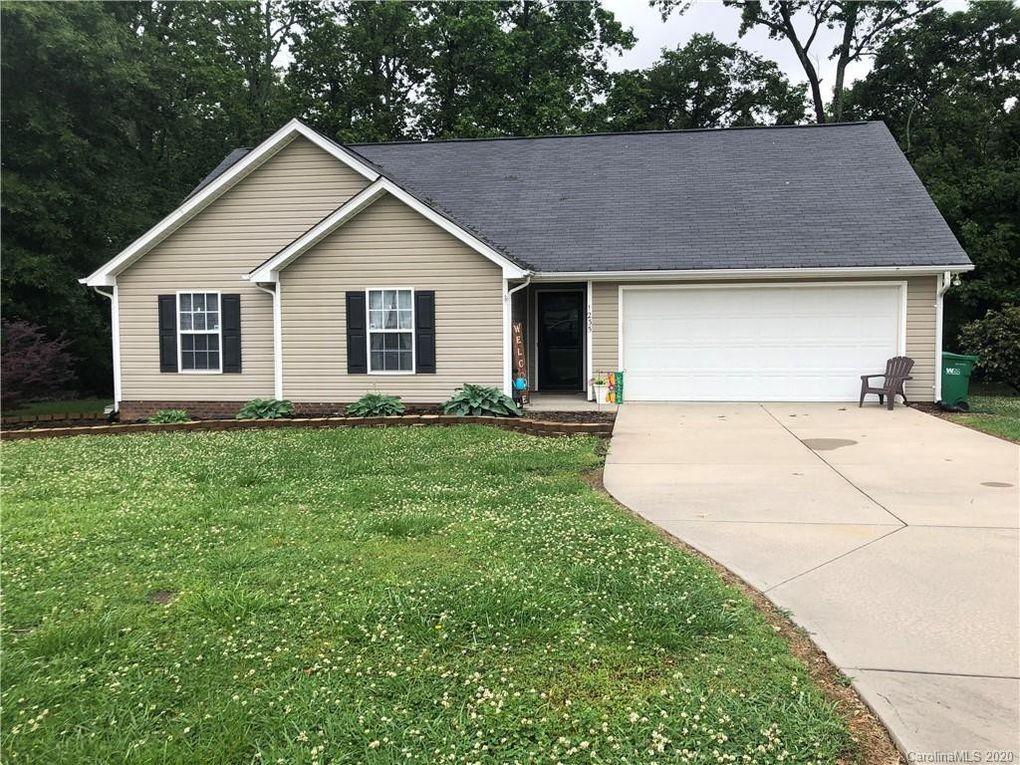 1235 Grace Ct Oakboro, NC 28129