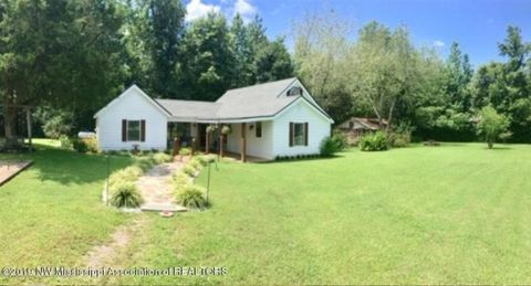 Photo of 133 Oak Rd, Mount Pleasant, MS 38649