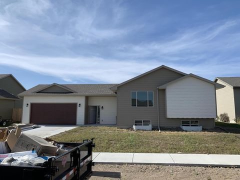 Photo of 301 Christine St, Mitchell, SD 57301