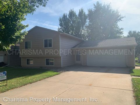 Photo of 2509 S Groveland Ave, Sioux Falls, SD 57110