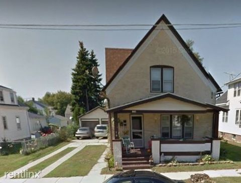 Photo of 1330 S 19th St, Manitowoc, WI 54220